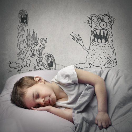 niño soñando con monstuos