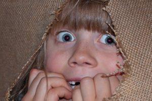 persona asustada Imagen de Pezibear en Pixabay